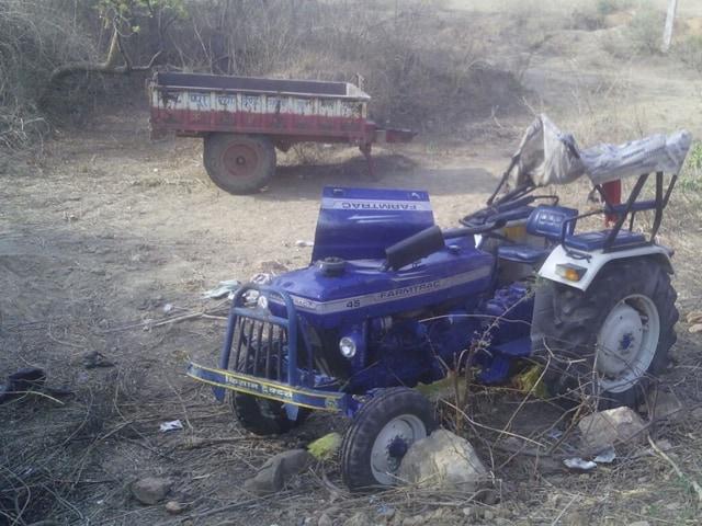 tractor trolley overturns in Shivpuri,accident in Shivpuri,Shivpuri