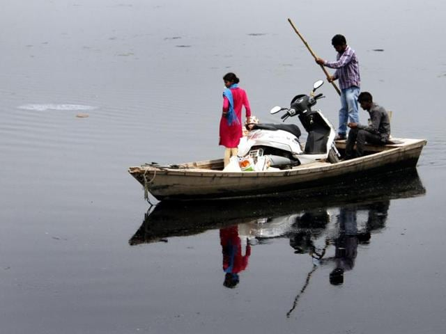 At least 20 people were reported missing after a boat capsized in West Bengal's Burdwan District on Saturday night.