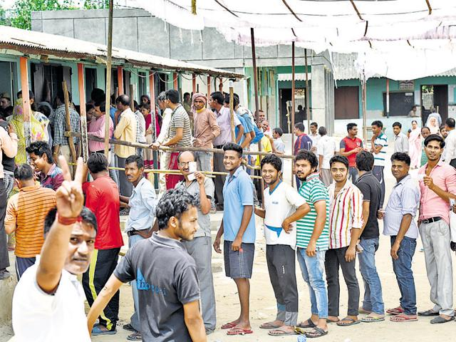 Voters in queue on Sunday.  Bhati ward in South Delhi Municipal Corporation witnessed the highest voter turnout at 64.36%, Matiala in the same corporation had the least turnout of 33%.