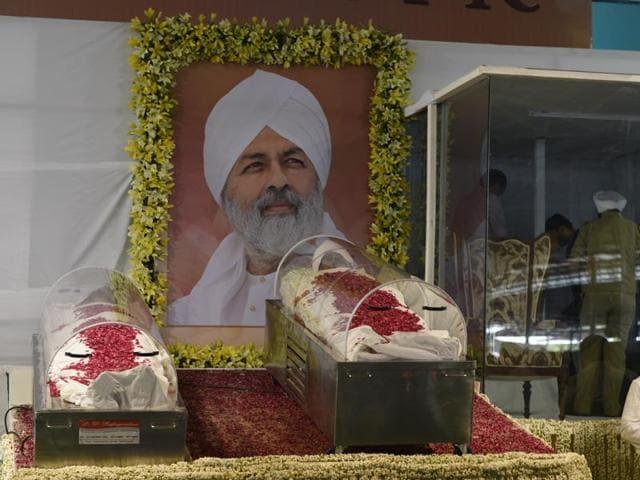 In pics: Devotees say goodbye to Nirankari head Hardev Singh