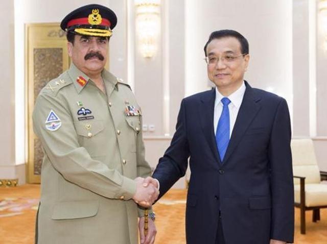 Pakistan Army chief Gen Raheel Sharif with Chinese Premier Li Keqiang.