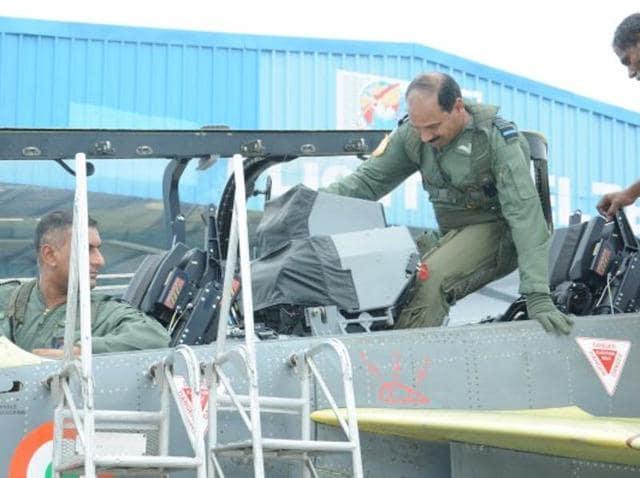 Indian Air Force chief Arup Raha,Tejas fighter trainer,Hindustan Aeronautics Ltd