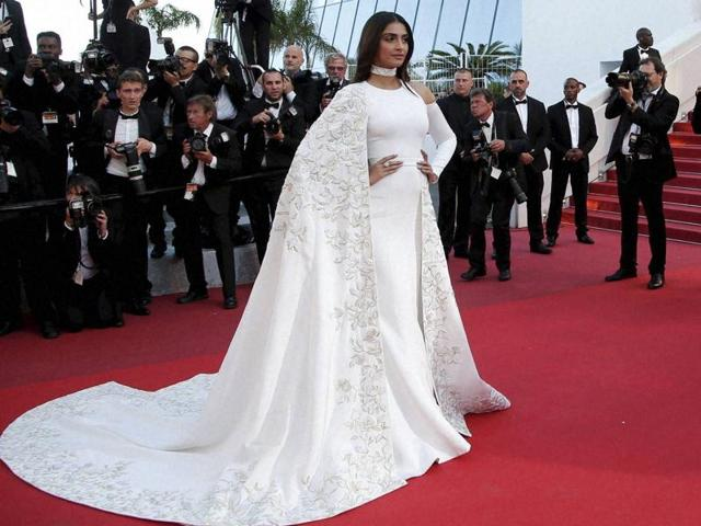 Sonam Kapoor may have earned the stripes for her red carpet appearances at Cannes but Twitter is cracking up.