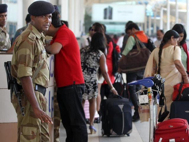 Mumbai,airport,crowded