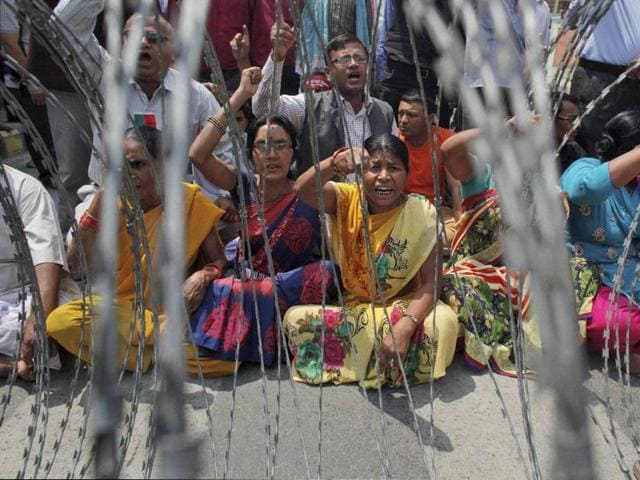 nepal protests,nepal madhes,anti-constitution rallies