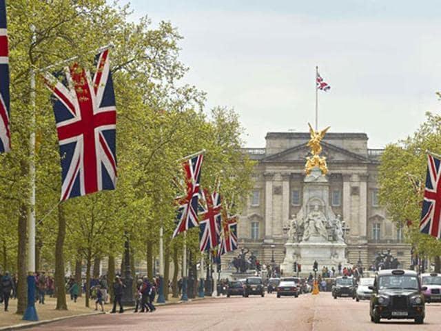 Buckingham Palace,The Sun,Queen backs Brexit