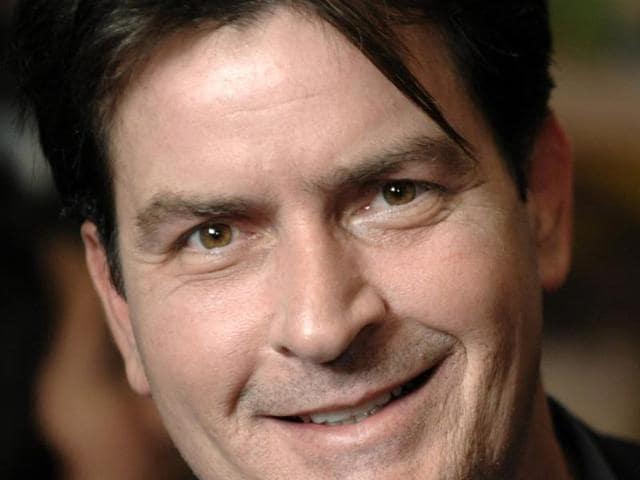 Charlie Sheen,Charlie Sheen sued,American Express