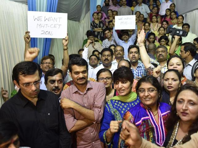 Parents, professors, and others protest against SC order on  NEET at Borivali, Mumbai on  May 12, 2016.