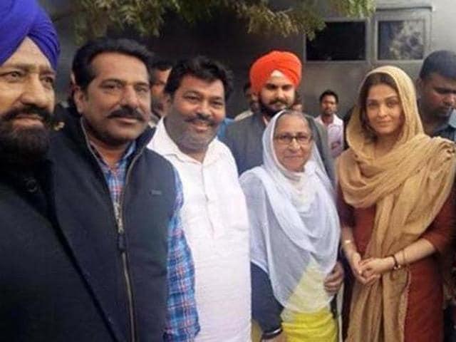 Aishwarya Rai with Sarabjit Singh's sister Dalbir Kaur. (HTPhoto)