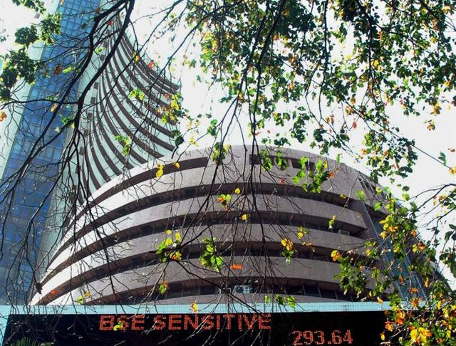 The benchmark BSE Sensex lost 133 points to 25,571.97 in early trade on Thursday on sustained fund outflows amid weak trend at other Asian markets.