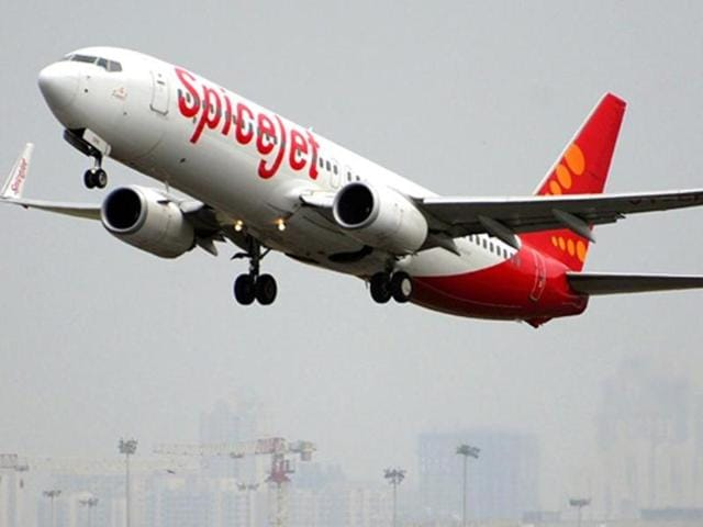 SpiceJet has announced that airline's quarterlynet profit stood at 73.19 crore after taking a one-time expense of Rs 173 crore.