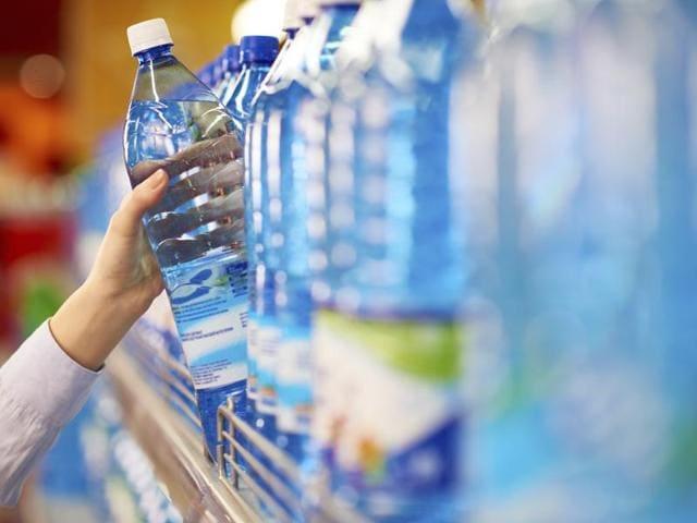 Plastic water bottles,Bottled water,Obesity risk in kids