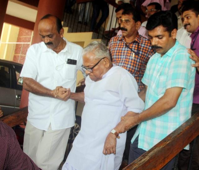 LDF veteran VS Achuthanandan being escorted by supporters after winning the Assembly polls in Palakkad in May.(PTI)