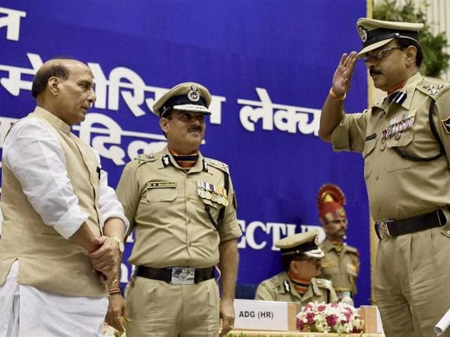 Union home minister Rajnath Singh (left) at the 14th BSF Investiture ceremony in New Delhi on Friday.(PTI)