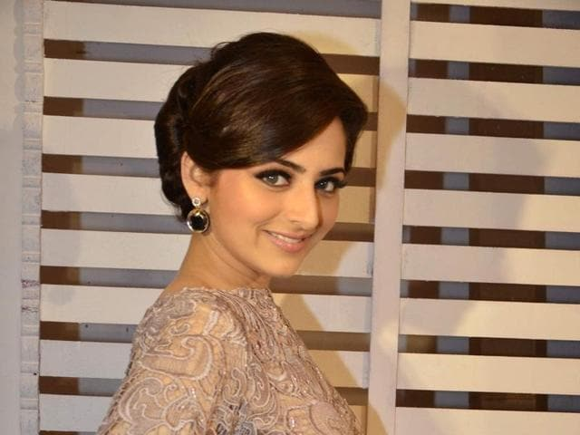 Actor Zoya Afroz's mother objected to a kissing scene with her co-star Himansh Kohli.