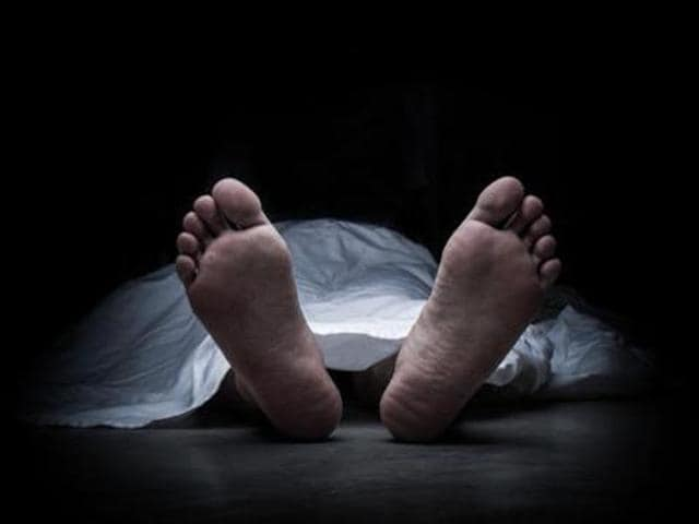 The cops found the 27-year-old lying unconscious in front of the police station and moved him to the civil hospital in an ambulance where he died in the evening.