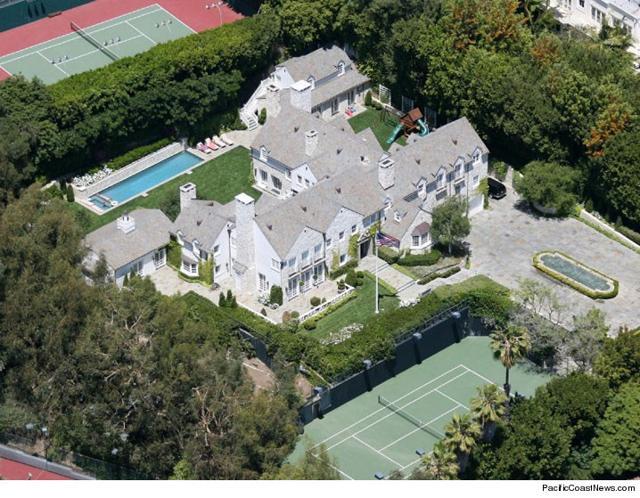hollywood star tom cruise sells mansion for 40 million. Black Bedroom Furniture Sets. Home Design Ideas