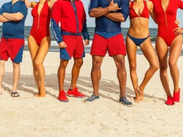 The team of lifeguards - Dwayne Johnson, Zac Efron, Alexandra Daddario, Ilfenesh Hadera, Kelly Rohrbach and Jon Bass - is all there.