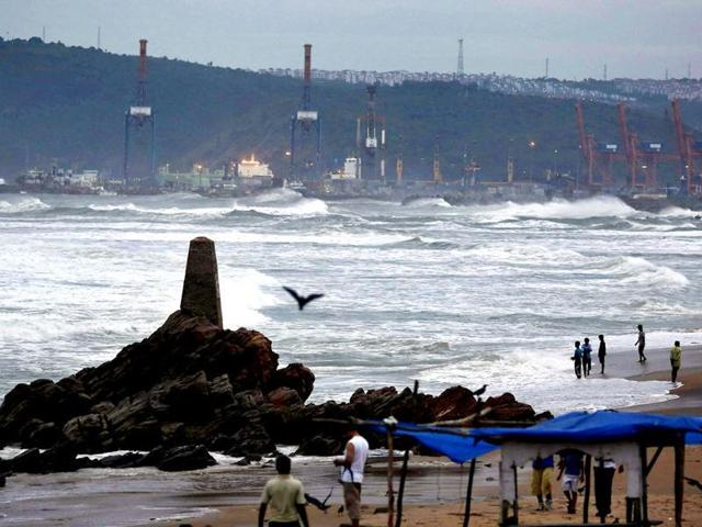 cyclone,Visakhapatnam,port town