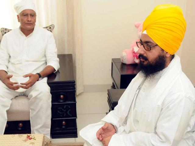 Punjab Pradesh Congress Committee (PPCC) vice-presidents Sunil Jakhar and Sukhjinder Singh Randhawa had a half-an-hour-long closed-door meeting with Sikh preacher Ranjit Singh Dhadrianwale at Gurdwara Parmeshar Dwar, 15 km from Patiala on Friday.