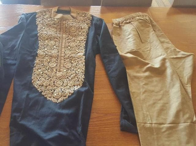 Caruso tweeted the picture of the gift that comprised of an embroidered kurta and pyjama along with a pair of matching mojris.