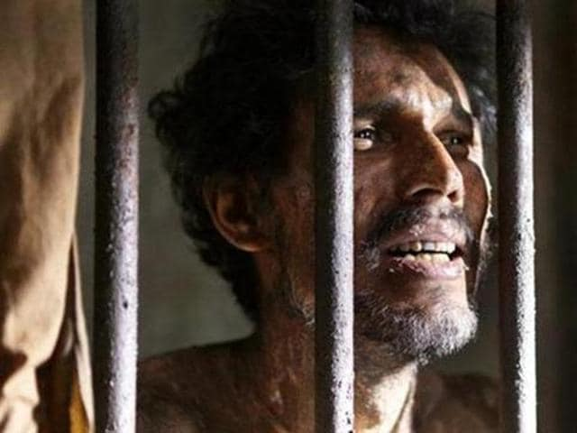 Randeep Hooda plays an Indian convict languishing in a Pakistani jail in Sarbjit.