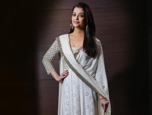Actor Aishwarya Rai Bachchan says she feels no pressure when it comes to her red carpet appearances.