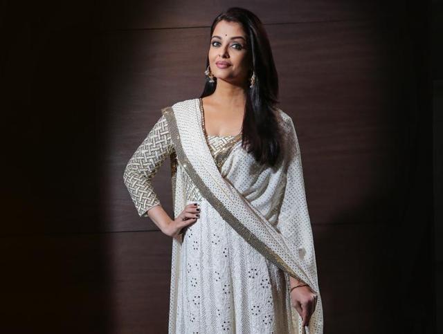 Aishwarya Rai Bachchan,Purple,Lips