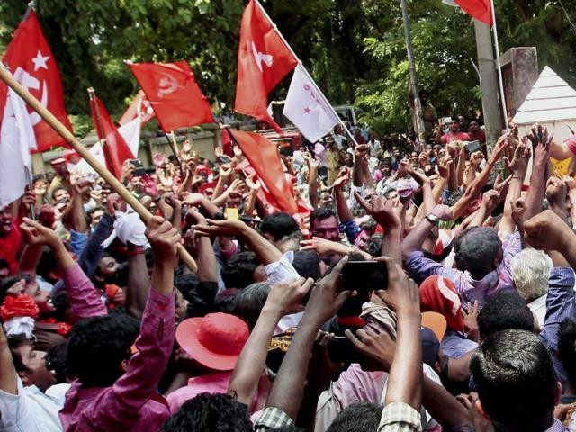 Kerala,O Rajagopalan,Vellapally Natesan