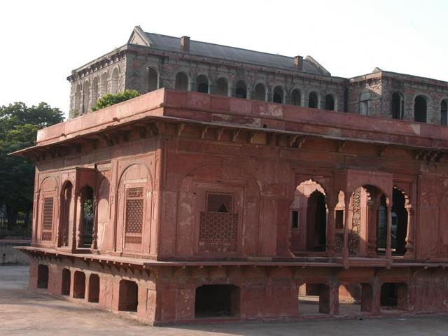 Zafar Mahal is a summer palace and is among the last structures built by the Mughals.