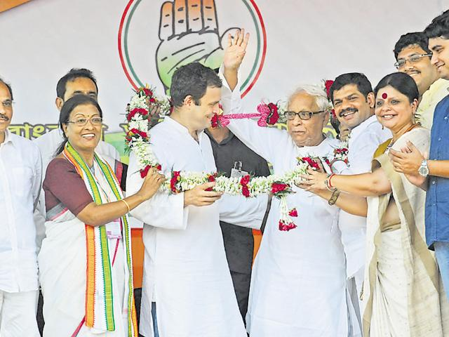 Sources said that Rahul Gandhi was persuaded by the Bengal state unit to go ahead with an alliance with the Left.(HT File Photo)