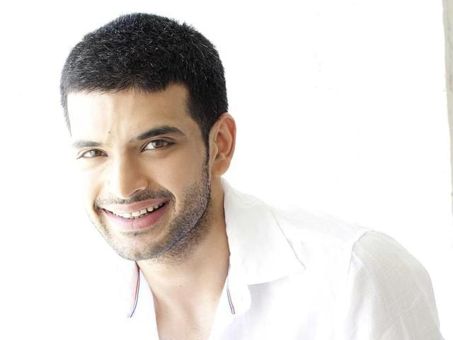 Actor Karan Kundra says it was crazy shooting for Roadies and his TV soap Yeh Kahan Aa Gaye Hum simultaneously.