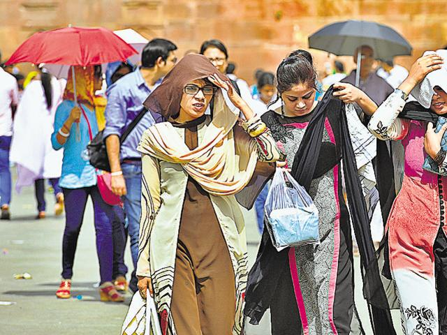 Delhiites on a hot day last month. This April was the hottest ever globally, according to NASA.