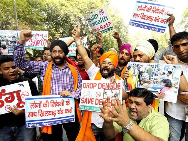 The Akali Dal plans to take the battle to the enemy's court by highlighting the AAP-led Delhi government's 'failure' to resolve several problems plaguing its residents. In this file photo, party  members can be seen protesting against the Delhi government over the dengue outbreak in the capital last year.