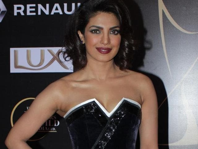 The makers of Baywatch have a promotional plan in mind. They want to launch her in a big way. The next official picture will feature only Priyanka on it.(Hindustan Times)