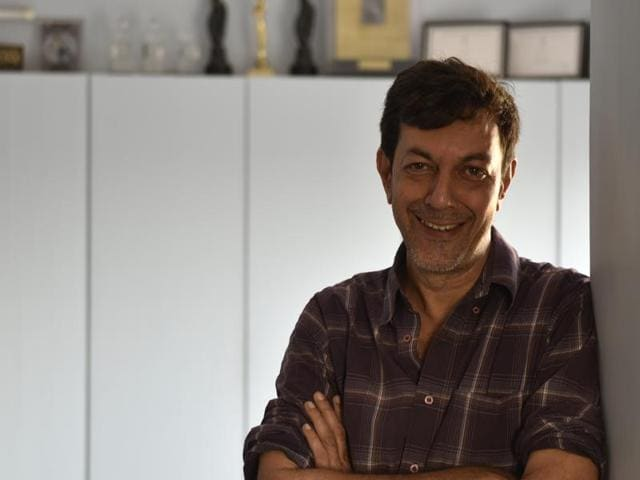 Actor Rajat Kapoor says he does not like films being categorised under different labels.