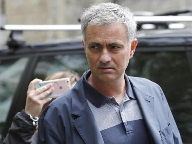 Jose mourinho,Manchester United,Louis van Gaal