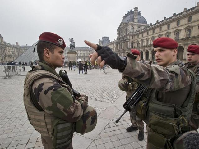 Ukranian soldiers,OSCE,Turchynov