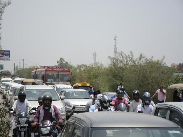 Commuters on the highway were not able to take right or left turns towards Noida for nearly five hours from 7.30 am to 1pm on Monday morning.