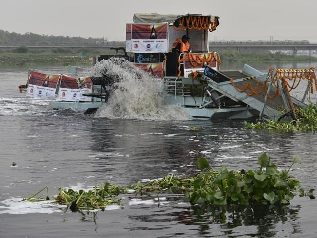 With pollution in the Yamuna affecting water supply in the national capital, the Delhi Government on Tuesday presented the 'Yamuna Turnaround Plan' to Union Minister for Water Resources Uma Bharti to ensure that untreated water does not enter the river.