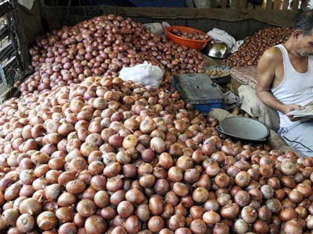 onions,onion farmer,tonne of onion