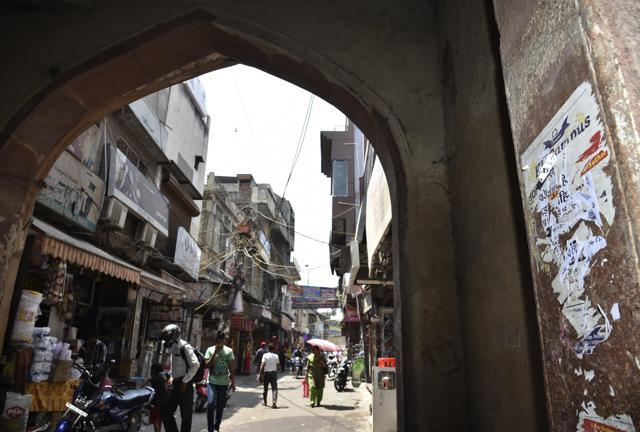 Badarpur Gateways,Badarpur Village,Tughlakabad Metro station