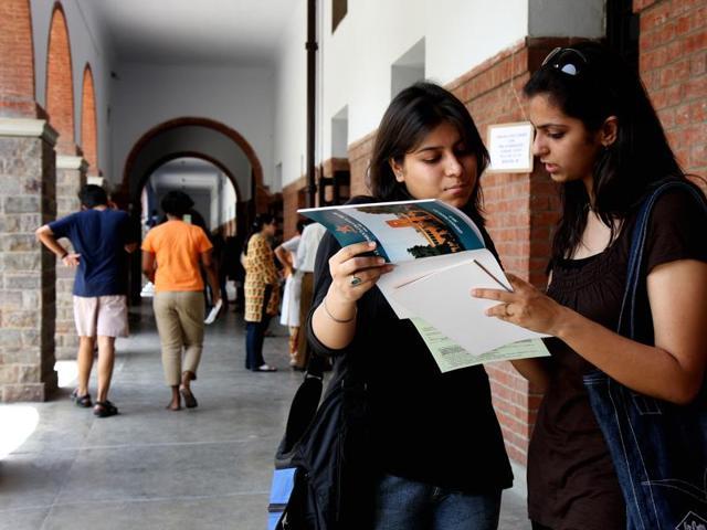 St Stephen S Jmc Aspirants Have To Fill Centralised Registration Form Delhi Hindustan Times