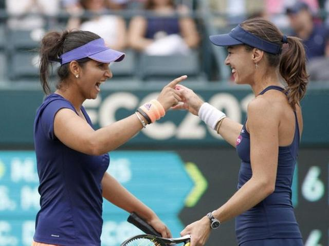 World No.1 women's doubles pair of Sania Mirza and Martina Hingis got their French Open campaign off to a winning start.