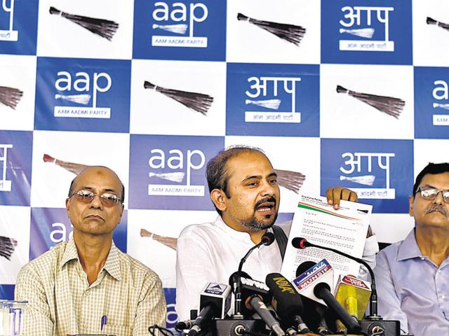 AAP Delhi convenor Dilip Pandey and DU teachers said the new regulation by the MHRD and UGC was an attack on the autonomy of the university and an attempt by the RSS to fill academic posts with its own cadre.