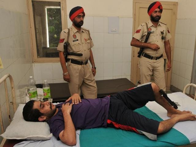 Shiv Sena leader Deepak Kamboj was placed under arrest at the local civil hospital after checking in for the treatment for his heart and leg.