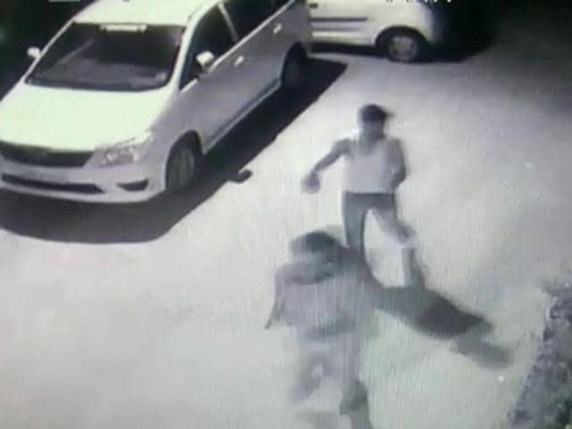 Police are looking into the CCTVfootage in Kishangarh area of south Delhi's Vasant Kunj for leads into the killing of a Congloese national on May 20.