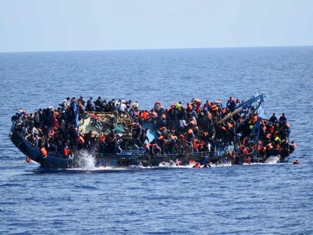 Italian navy,Europe migrant crisis,Boat capsize