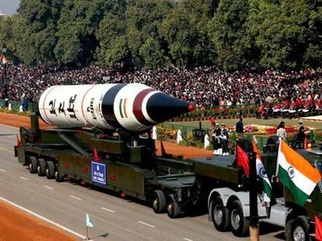 New Delhi desperately needs to modernise its aging Russian-era equipment as China and Pakistan upgrade their arsenal with latest technology and purchases.(AP)