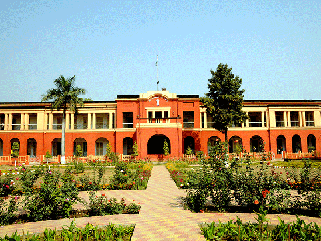 The Union Cabinet approved giving IIT status to the Indian School of Mines (ISM) Dhanbad on Wednesday.